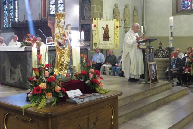 69. Glatzer Wallfahrt in Telgte 2015: Die Glatzer Madonna auf dem Opferstock