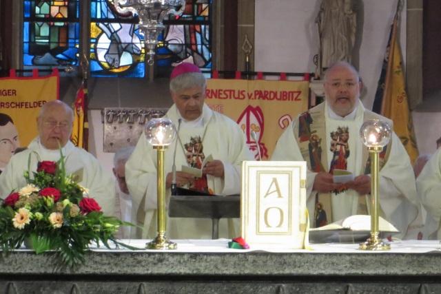 71. Glatzer Wallfahrt in Telgte 2017: Weihbischof Dr. Reinhard Hauke mit Pfarrer Martin Karras und Prälat Franz Jung