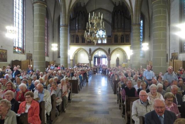 71. Glatzer Wallfahrt in Telgte 2017: Die voll besetzte Wallfahrtskirche